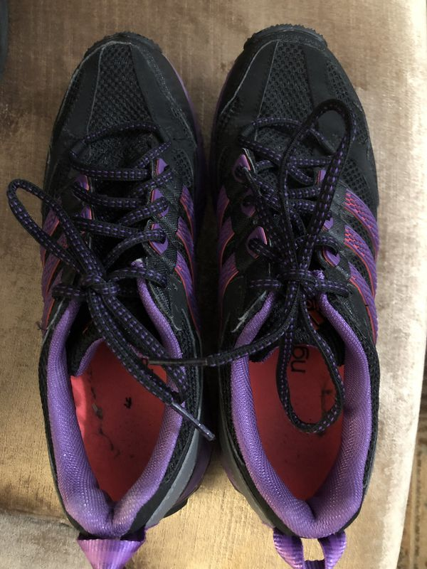 Adidas kanadia tr5 running trail shoe. Women's size 9.
