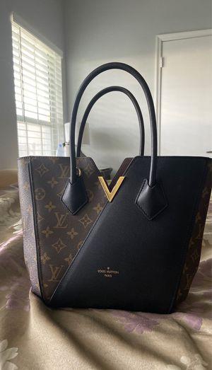 Louis Vuitton Kimono Handbag for Sale in Orlando, FL