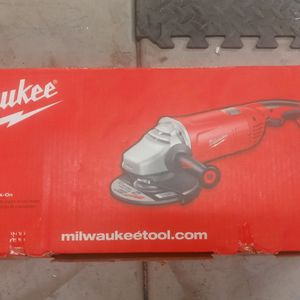 """MILWAUKEE 7""""/9"""" Large Angle Grinder With Lock On for Sale in Glendale, AZ"""