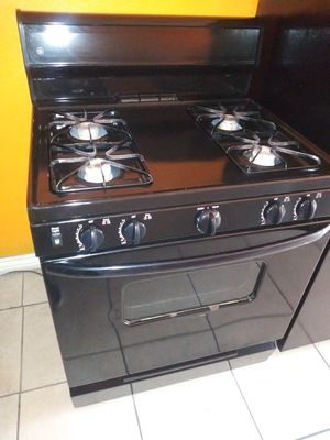 WHIRLPOOL GAS STOVE for Sale in Anaheim, CA