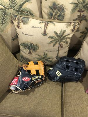 Baseball glove, batting gloves, and bats for sale for Sale in Miami Springs, FL