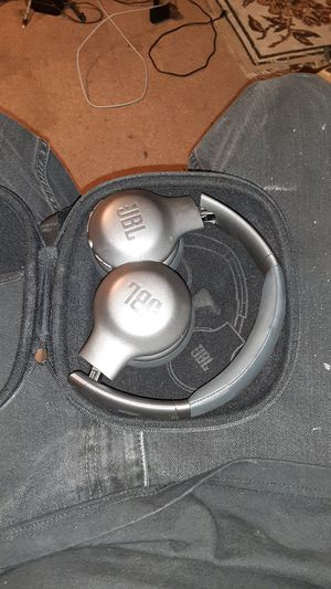 Headphones for Sale in Fontana, CA