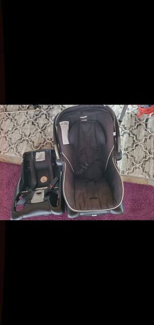 Britax infant carseat with 2 bases for Sale in Poway, CA