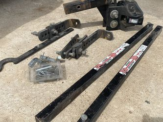 Equal-i-zer 10,000 Lb Weight Distributing Sway Control Hitch 90-00-1000 for Sale in Humble,  TX