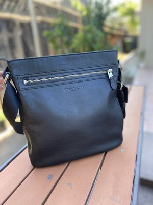 Authentic coach crossbody for Sale in Santa Clara, CA