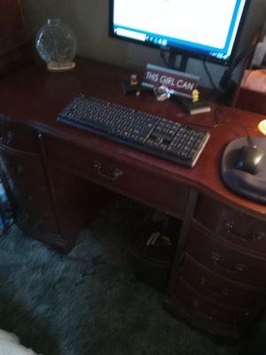 Antique Bassett desk for Sale in Glen Burnie, MD