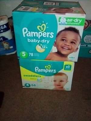 Pampers s/4& s/5 swaddlers &cruisers for Sale in Fresno, CA