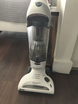 Shark Navigator Freestyle Cordless Bagless Vacuum for Sale in Lake Worth, FL