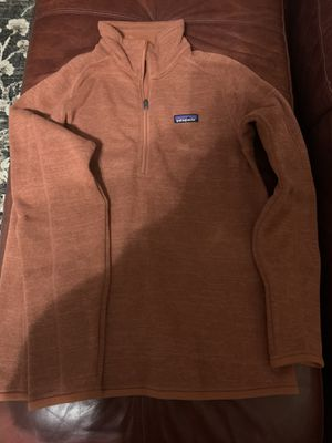 Patagonia large women's quarter zip for Sale in Galloway, OH