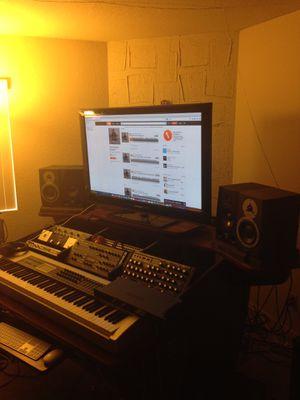 Omnirax Fusion Studio Desk for Sale in Long Beach, CA