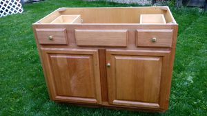 Bathroom cabinet for Sale in Chicago, IL