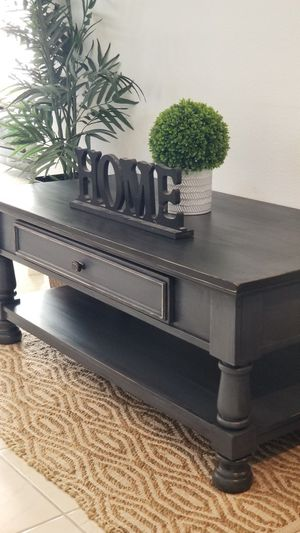 COFFEE TABLE W DRAWER AND BOTTOM STORAGE SHELF for Sale in Chino Hills, CA