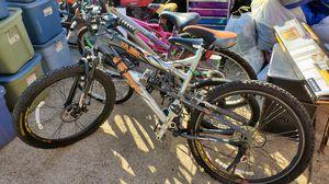 Mongoose XR 250 mountain bike for Sale in Cedar Hill, TX