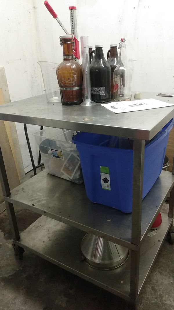 Nice 2 level stainless steel Commercial Kitchen Prep Table with wheels