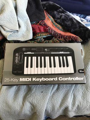 Monoprice 606304 25-Key MIDI Controller for Sale in San Dimas, CA