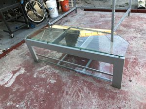Great tv stand NEED GONE for Sale in Hialeah, FL