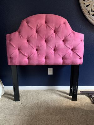 Pink twin size headboard with bed rails and box frame for Sale in Spring, TX