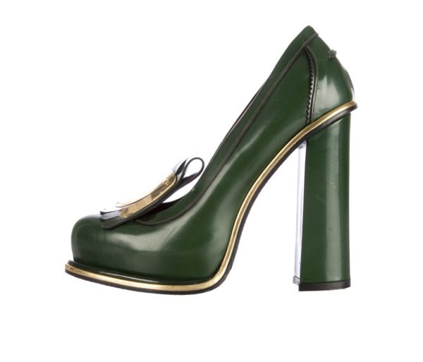 Size 7 NEW Hilfiger Runway Collection Fall 2018 Kiltie Leather Pumps