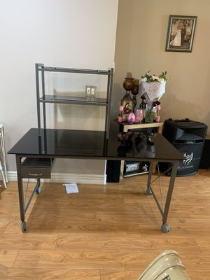 Computer desk for Sale in Los Angeles, CA
