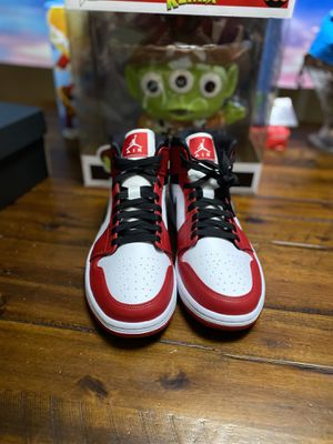 Air Jordan 1 Mid for Sale in Hialeah, FL