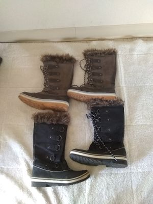 Woman snow boots size 8/9 for Sale in Madera, CA