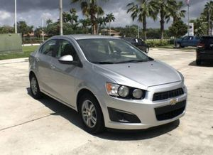 2015 chevy sonic lt for Sale in Miami, FL