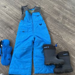 Toddler 3T Snow Bib With Boots And Gloves All Foe $50 for Sale in Gilroy,  CA