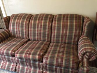 3-Cushion Couch w/2 sets of furniture covers for Sale in Columbus,  OH