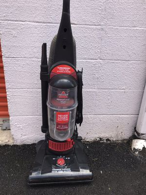 Bissell- Vacuum cleaner Bagless for Sale in Alexandria, VA