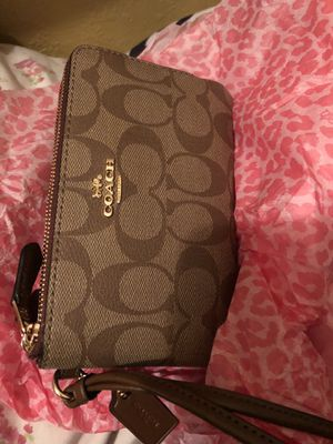 Coach wallet double zipper new never used for Sale in Ceres, CA