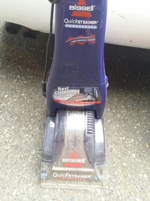 Bissell small carpet steamer for Sale in Bellevue, WA