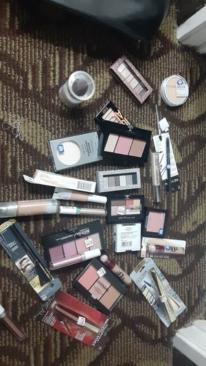Revlon, covergirl and Loreal makeup for Sale in Inglewood, CA
