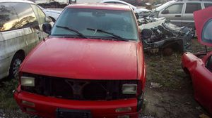 1996 Chevy s10 parts for Sale in Tampa, FL