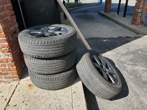 Tires with Rim / Ford Explorer for Sale in Columbus, OH