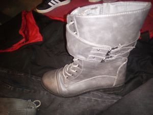 Size 10 boots 10$ for Sale in Stockton, CA