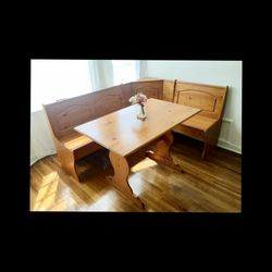 Breakfast Nook/ Dining Table for Sale in Los Angeles,  CA