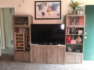 Tv Entertainment center with bookshelves for Sale in San Diego, CA