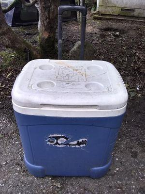 Igloo Rolling Cooler 60 qt for Sale in Arlington, WA