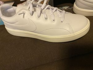 Men's Nike size 11.5 for Sale in Martinez, CA