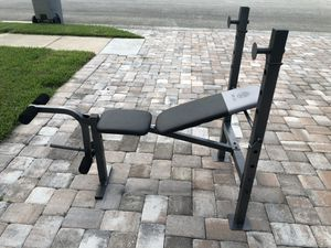 Almost new gold's gym weight bench for Sale in Vero Beach, FL