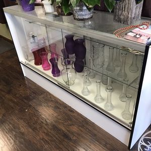 Front Loading Light Up Display Case for Sale in Chino Hills, CA