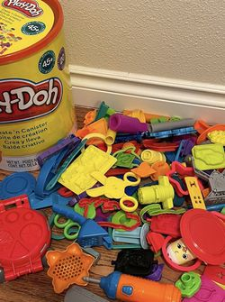 Play-Doh toys In Big Container for Sale in Kalama,  WA
