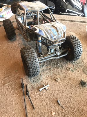 Axial Bomber R/C Rock Crawler for Sale in Riverside, CA