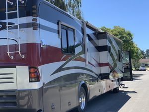 2005 Tiffin Allegro 40' Bus for sale. Very low mileage (25k approx.), 400 Cummins, sleeps 8. All the amenities, stove, microwave, conventional oven for Sale in Santa Maria, CA
