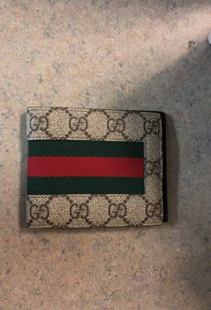 Male Gucci wallet for Sale in Hillsboro, OR