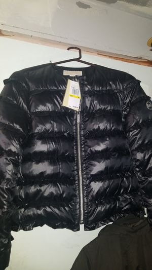 Michael Kors ruffled puffy jacket (NWT) for Sale in Seattle, WA