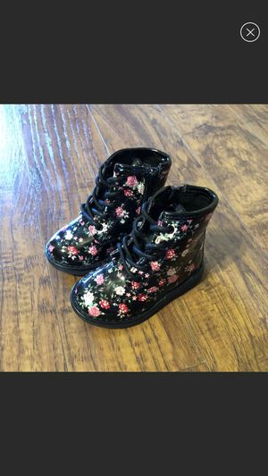TCP Baby girls Floral Boots Size 5 NEW! for Sale in Allenstown, NH