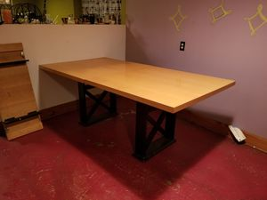 Dinner dining table for Sale in Chicago, IL