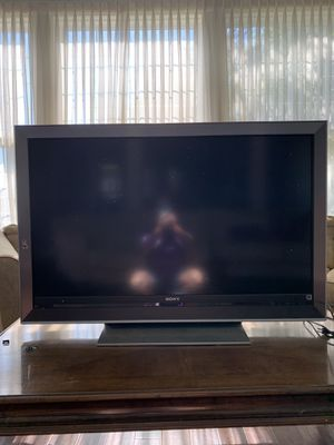 """Sony Tv 52"""" for Sale in Los Angeles, CA"""