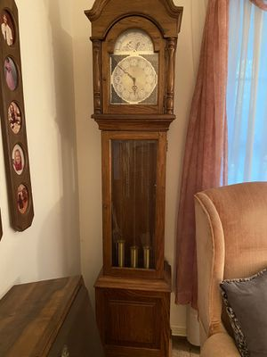 Grandfather Clock - fully functioning for Sale in Rossville, GA